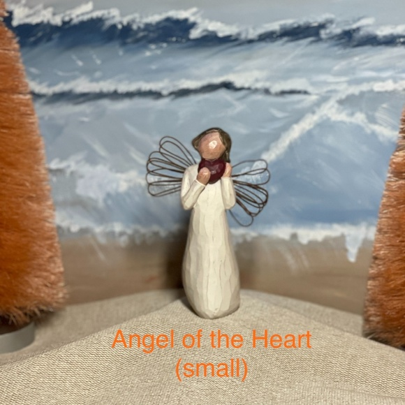 Willow Tree DEMIDACO Angel of the Heart (small)